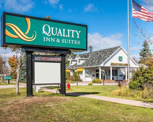 麦基诺城品质酒店及套房 - 麦基诺城 - 户外景观
