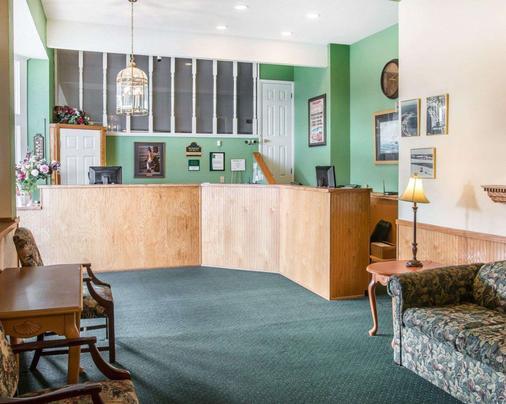 麦基诺城品质酒店及套房 - 麦基诺城 - 大厅