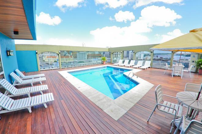 阿雷格里港骑士酒店 - 阿雷格里港 - 游泳池
