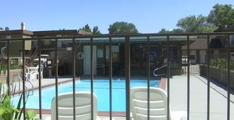 山景汽车旅馆 - 毕夏普 - 游泳池