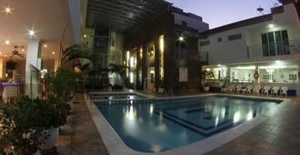 泰洛那罗达德罗酒店 - 圣玛尔塔 - 游泳池