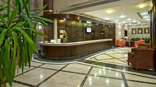 城市四季酒店 - 迪拜 - 柜台