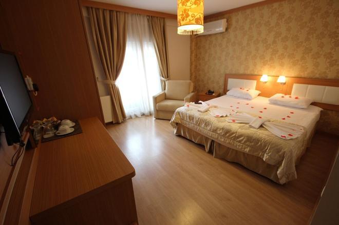 伊斯坦布尔花宫酒店 - 伊斯坦布尔 - 睡房