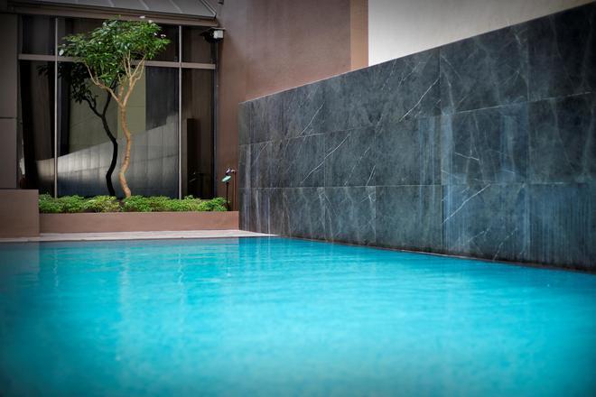 米酒店 - 新加坡 - 游泳池