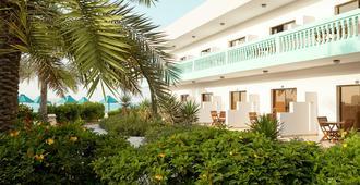 Bm Beach Resort - 拉斯海玛 / 哈伊马角