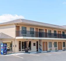 戴斯酒店-圣罗伯特韦恩斯维尔/伦纳德伍德堡