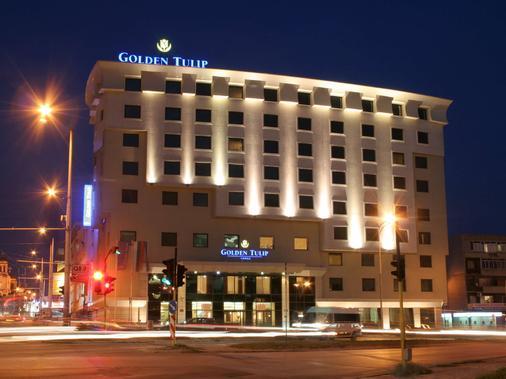 瓦尔纳金色郁金香酒店 - 瓦尔纳 - 建筑
