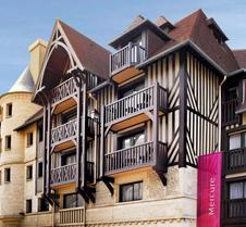 多维尔中心美居酒店