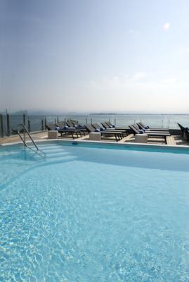 公园酒店 - 代森扎诺-德尔加达 - 游泳池
