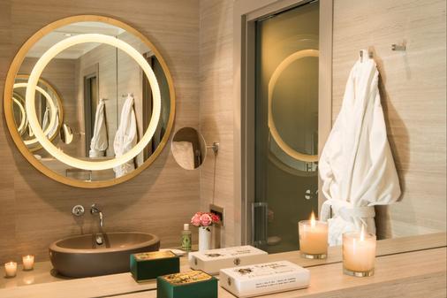 星际罗莎大酒店 - 米兰 - 浴室