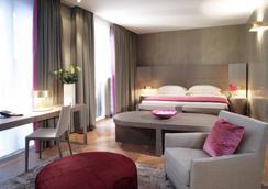星际罗莎大酒店 - 米兰 - 睡房