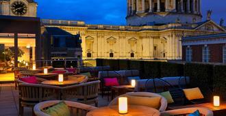 圣保罗农庄酒店 - 伦敦 - 阳台
