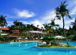 民丹湖度假酒店 - 拉古洼 - 游泳池