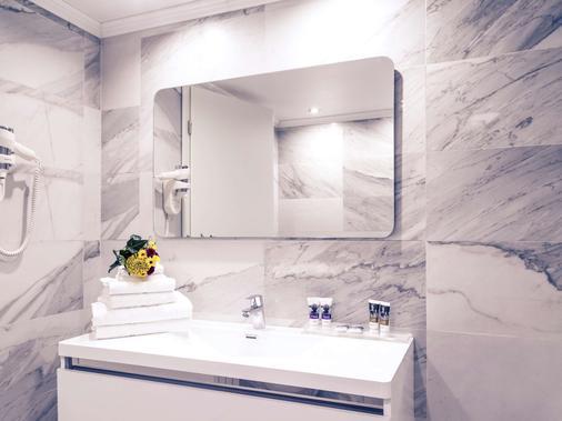 布加勒斯特乌尼里美居酒店 - 布加勒斯特 - 浴室