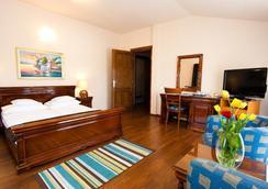 奥尼克斯酒店 - 克卢日-纳波卡 - 睡房