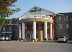 格兰德斯戴套房酒店 - 埃姆斯 - 建筑