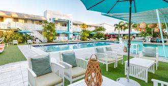 流浪者酒店 - 迈阿密 - 游泳池