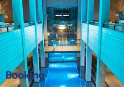 纯水疗运动酒店 - 阿姆斯特丹 - 大厅