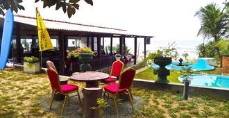 拉兹纳度假酒店 - 马里萨 - 露台