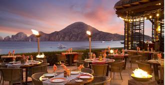 卡萨朵拉达洛斯卡沃斯度假Spa酒店 - 卡波圣卢卡斯 - 餐馆