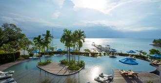 农萨梦帝国度假村 - 巴淡岛 - 游泳池
