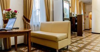 萨提斯尼斯基酒店 - 哈尔科夫