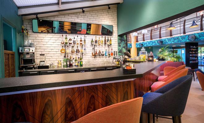 最佳西方Plus酒店-码头 - 圣拉斐尔 - 酒吧