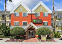 湖玛丽1040格林伍德大道美国长住酒店 - 玛丽湖 - 建筑