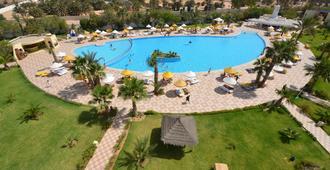 席迪曼苏尔酒店度假村及水疗中心 - 米多恩 - 游泳池