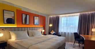 杜塞尔多夫西斯特恩美居酒店 - 杜塞尔多夫 - 睡房