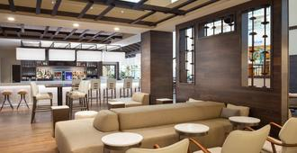 萨凡纳万豪河滨酒店 - 萨凡纳 - 酒吧