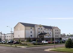 门斯特套房酒店 - 俾斯麦 - 建筑