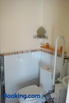 韦茅斯丑角旅馆 - 韦茅斯 - 浴室