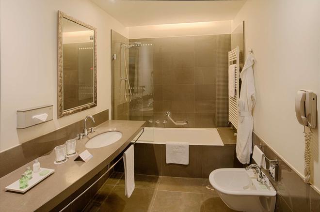 Nh伯格莫酒店 - 贝加莫 - 浴室