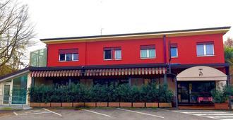 特雷维索客房酒店 - 特雷维索 - 建筑