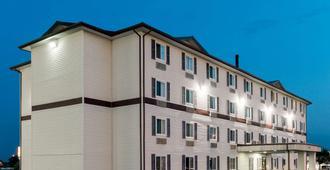 斯普林菲尔德东速8酒店 - 斯普林菲尔德