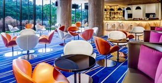 新加坡雅庭假日酒店 - 新加坡 - 酒吧