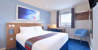 都柏林机场南旅屋酒店 - 都柏林 - 睡房
