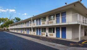 6罗切斯特汽车旅馆 - 罗切斯特 - 建筑