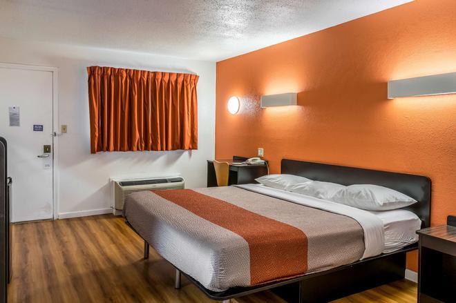 佛罗伦萨6号汽车旅馆 - 弗洛伦斯 - 睡房