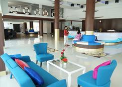 萨马奇迪瓦南特游轮风格酒店 - 暖武里 - 大厅
