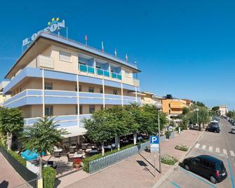 奥德翁酒店 - 切尔维亚 - 建筑