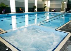 莫宁顿布鲁克兰酒店 - 摩宁 - 游泳池