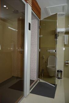 阿兹曼酒店 - 亚的斯亚贝巴 - 浴室