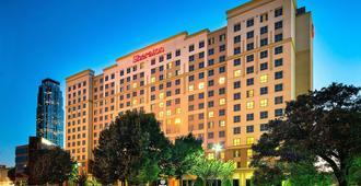 休斯顿商业街喜来登套房酒店 - 休斯顿 - 建筑