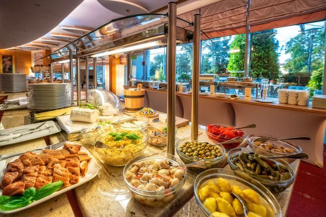 Hp公园广场酒店 - 弗罗茨瓦夫 - 自助餐