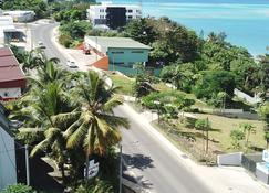 珊瑚礁汽车旅馆&公寓酒店 - 维拉港 - 户外景观