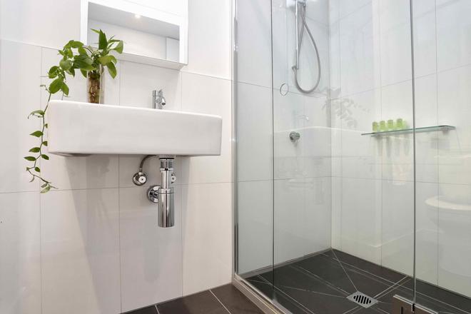 弗林德斯灵气公寓 - 墨尔本 - 浴室