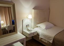 萨尔欧特 SPA 酒店 - 地拉那 - 睡房