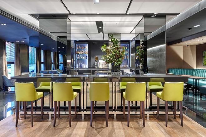 毕尔巴鄂圣主大酒店 - 毕尔巴鄂 - 酒吧
